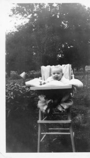 Victor as baby 1920